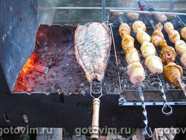 Шашлык на мангале из горбуши с фото