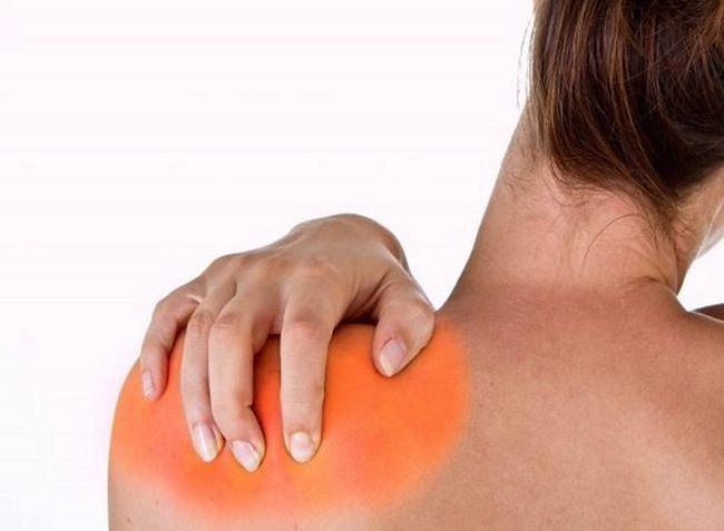 Как лечить боль под лопаткой в домашних условиях