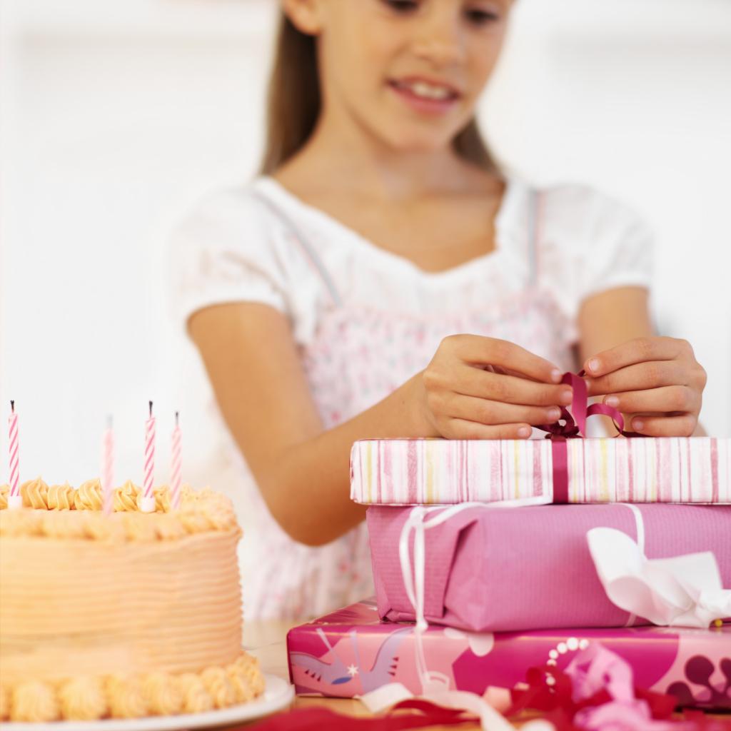 Подарок на день рожденья девочке семь лет
