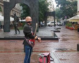 Уличные музыканты устроили на Арбате флешмоб в знак протеста против задержаний