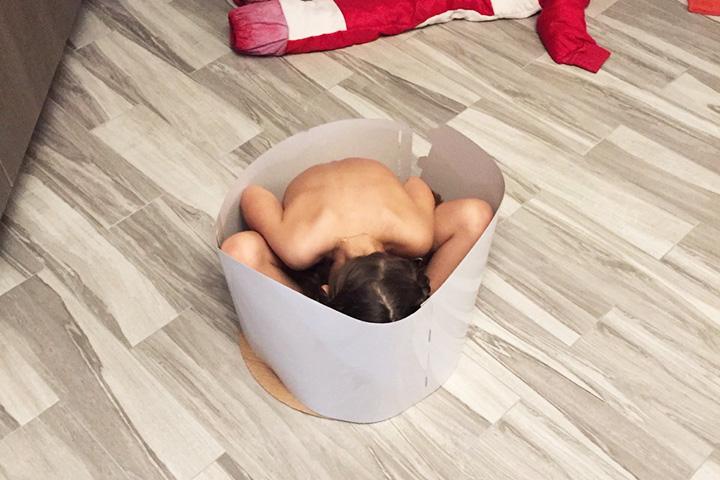Дочь в коробке из-под торта