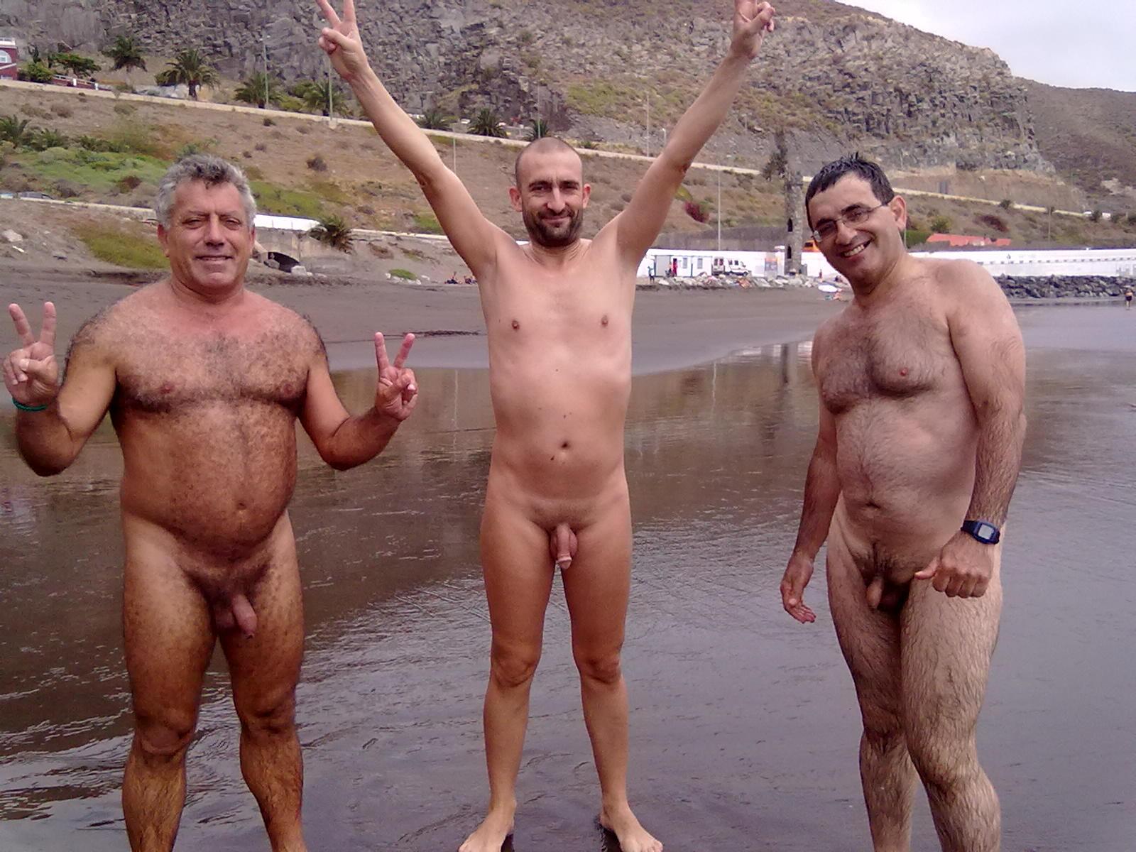 картинки голых мужчин и голых женщин