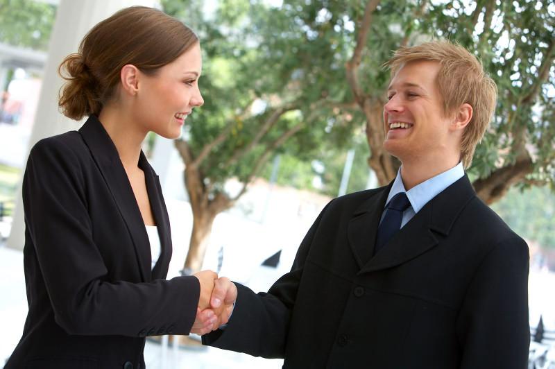 Поведение женщин при знакомстве с мужчинами