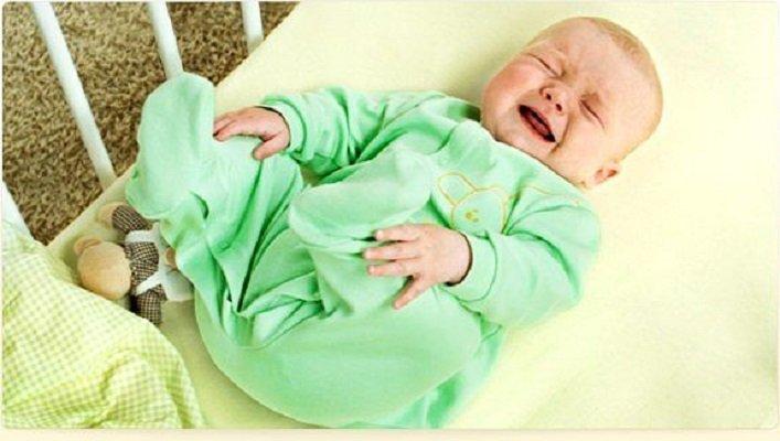 У ребенка болит живот, что можно дать?