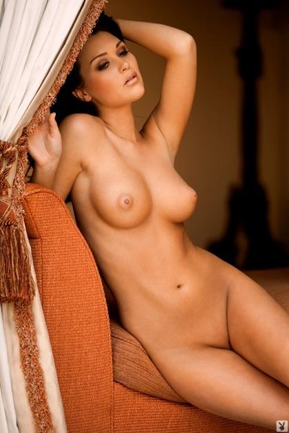 Sexy bare tits
