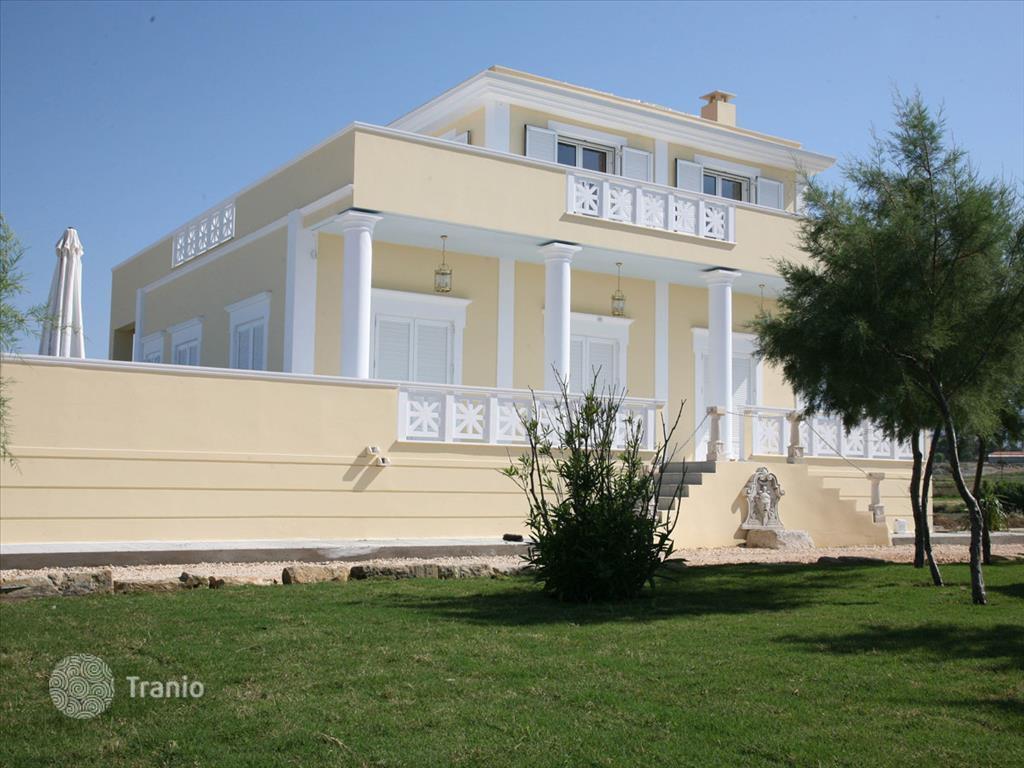 Дом в деревне остров Платамонас