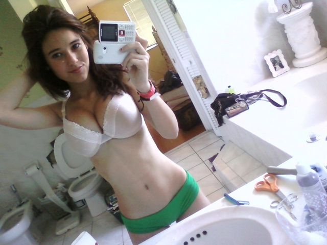 Pictures of brunettes fucking