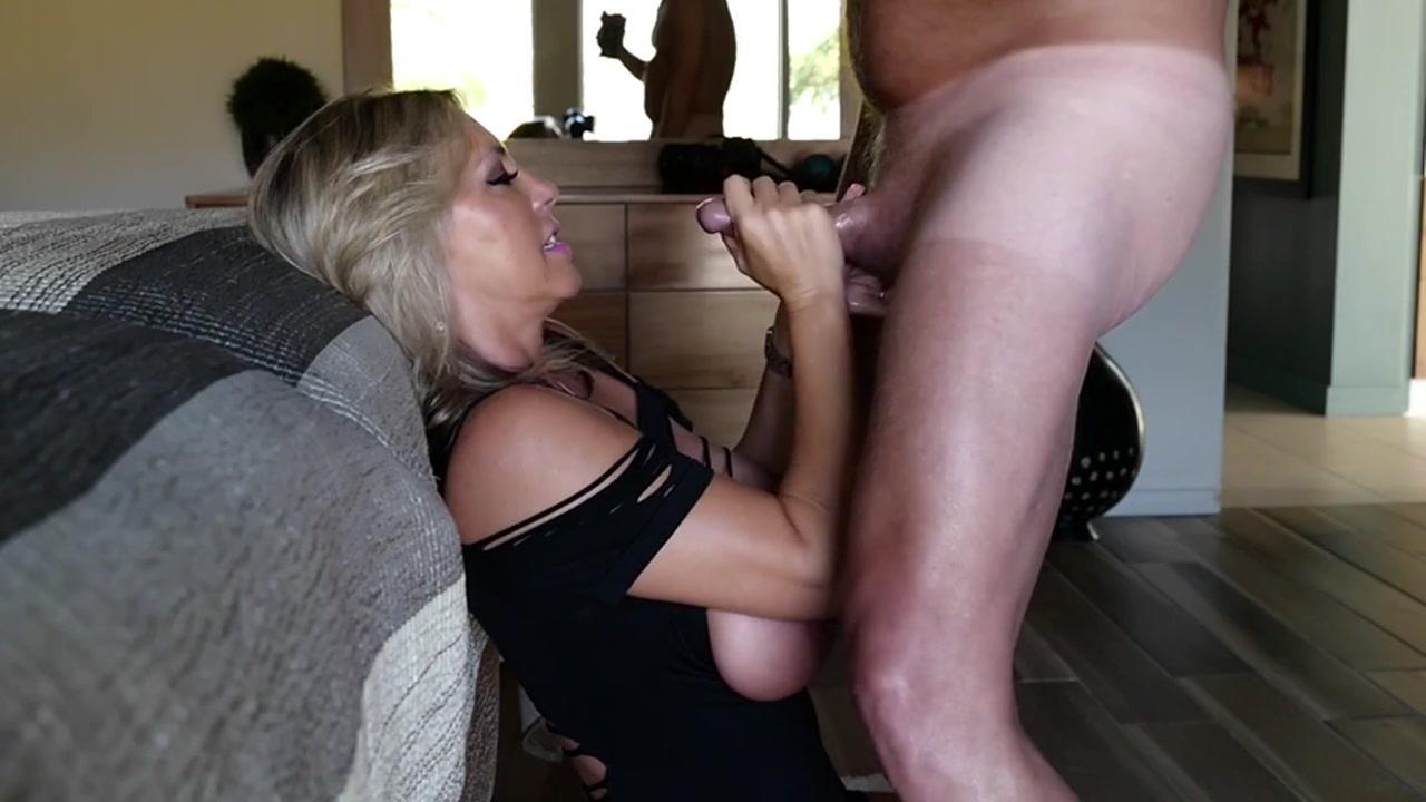 Sexy pornstar schwanz lutschen