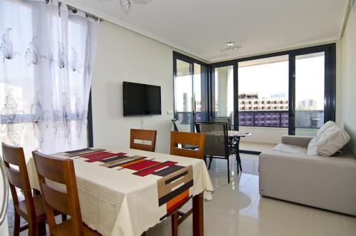 Купить недвижимость и квартиру в Бенидорме (Испания)