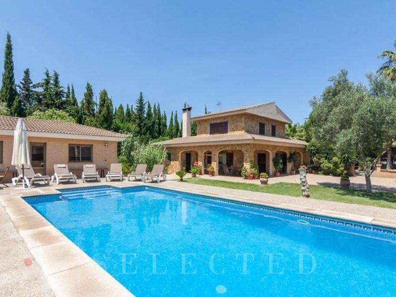 Звезды и их недвижимость в Испании
