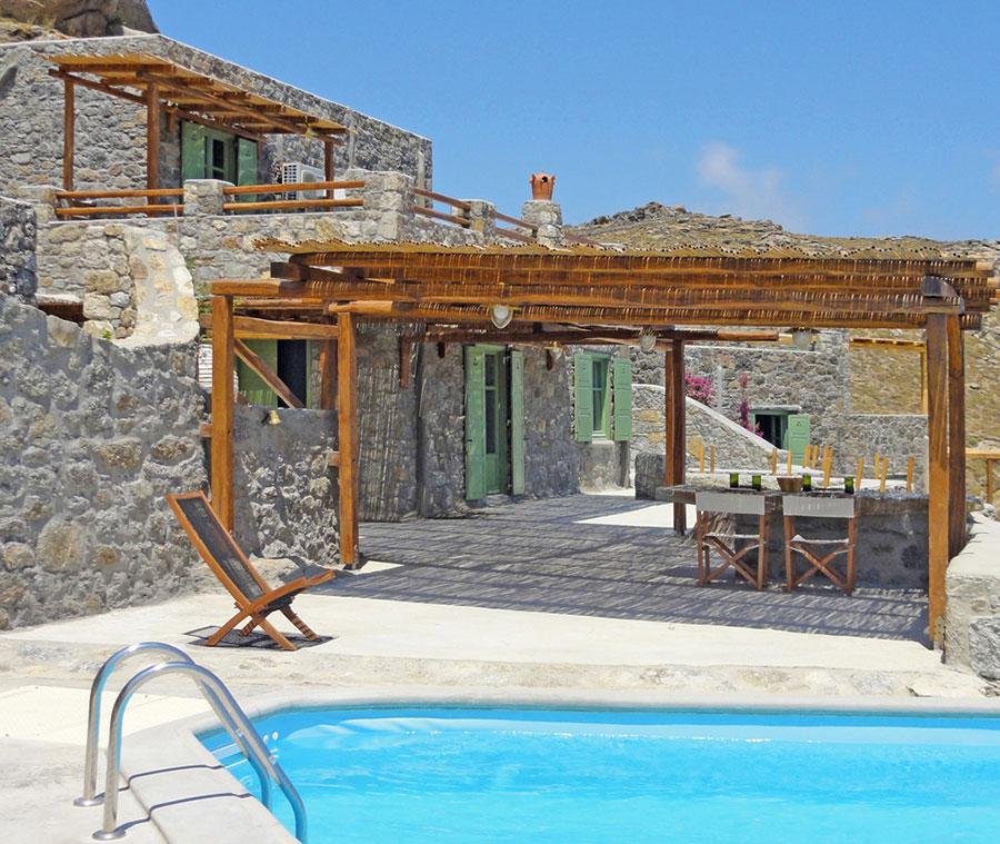 Недвижимость в Миконос на побережье недорого