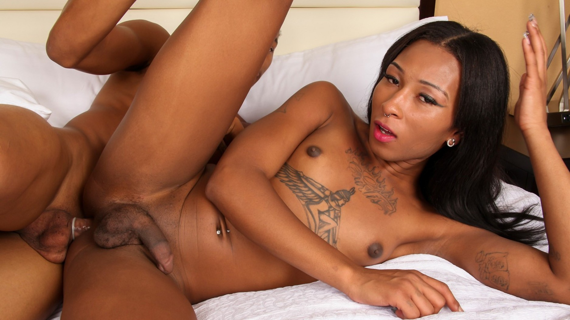 ebony-trany-nude-steve-burns-naked