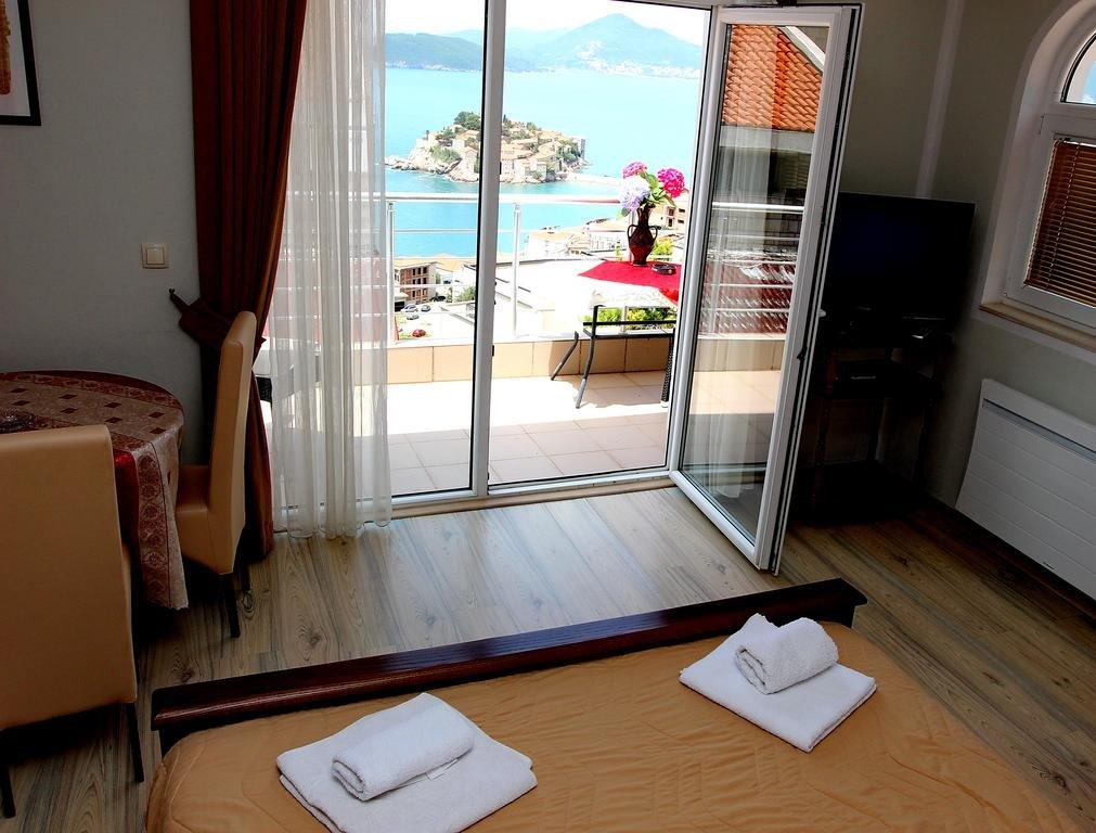 Апартаменты в Науса на море