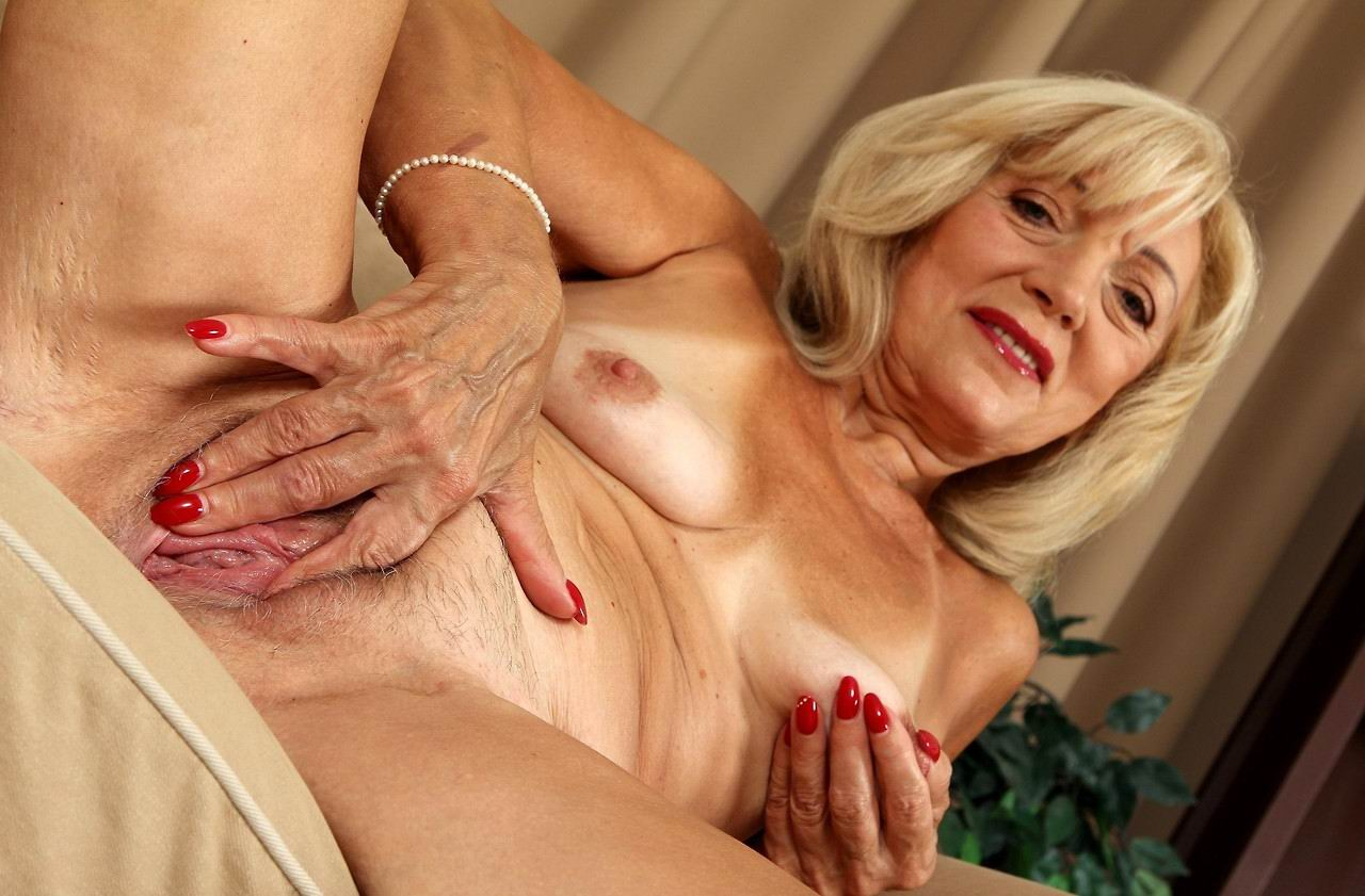 The foot job squirt