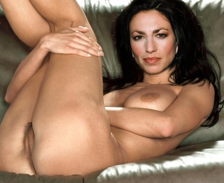 Lee nude claudia Claudia Photodromm