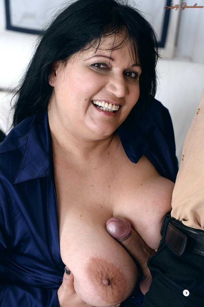 Bbw busty saggy latina