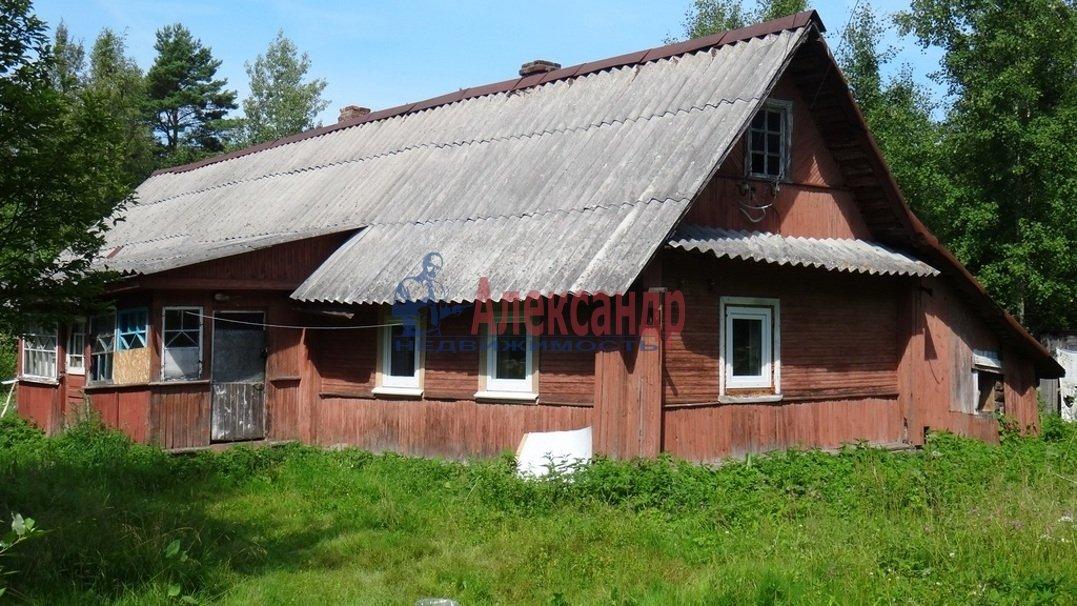 Землю в остров Переа дом в деревне