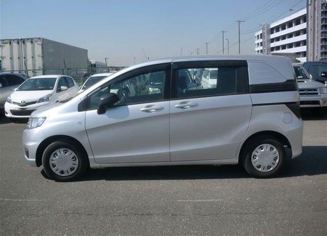 Продажа авто Хонда Фрид Спайк 2010 в Новом