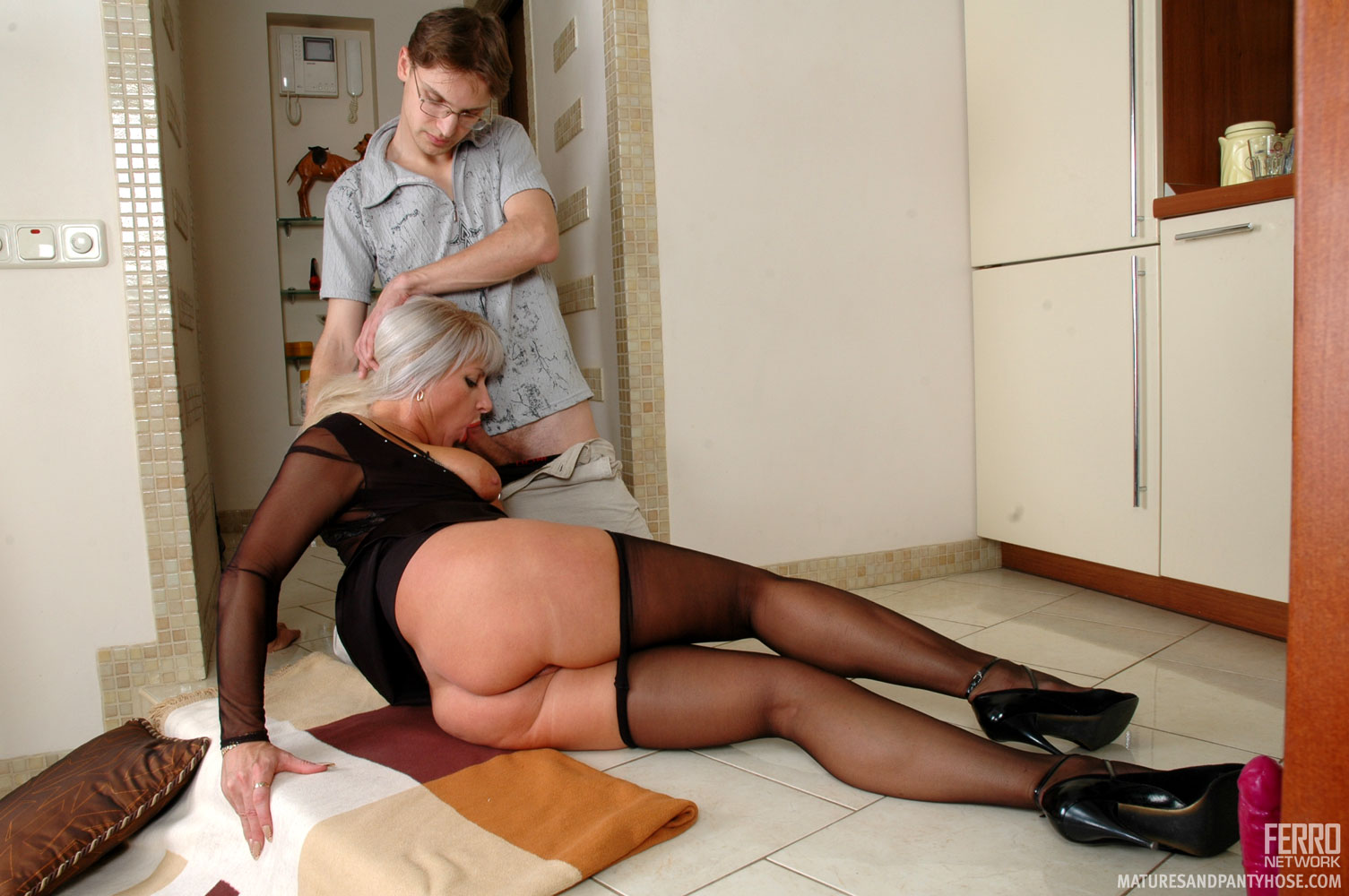 archive home matures and pantyhose you - milf