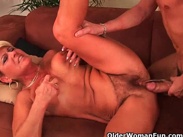 Extreme erotic eating creampie