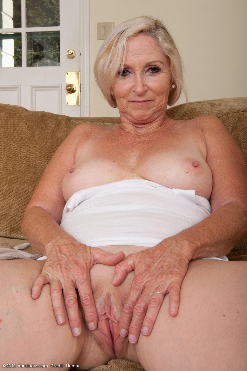 barefoot mature women Aunt nude judy