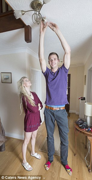 Dating a girl that's taller than you? - GirlsAskGuys