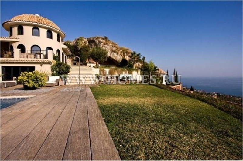 Недвижимость у моря испания малага