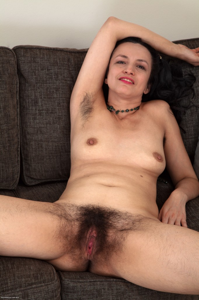Son gives step mom huge creampie