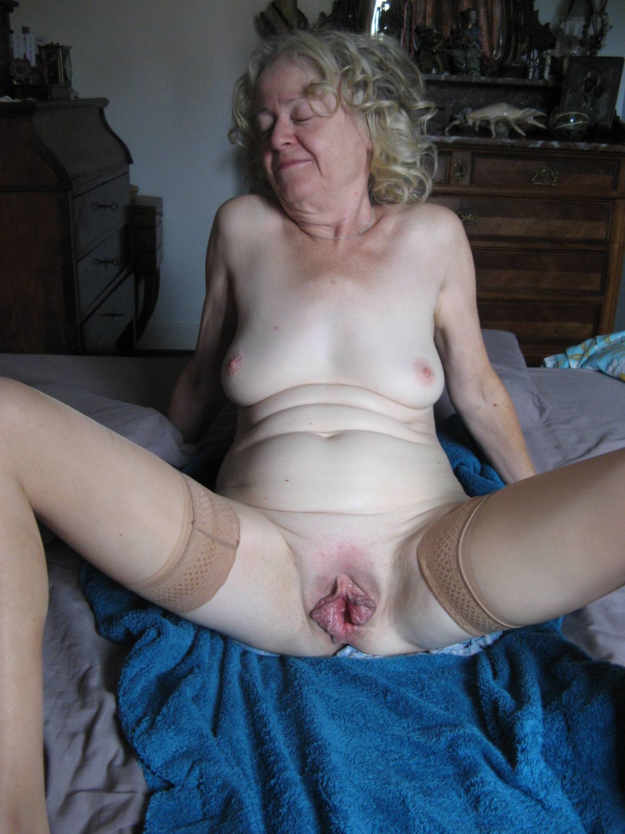 Free solo anal porn gallery