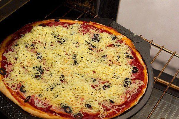 Вкусная пицца в домашних условиях быстро рецепт с фото пошагово