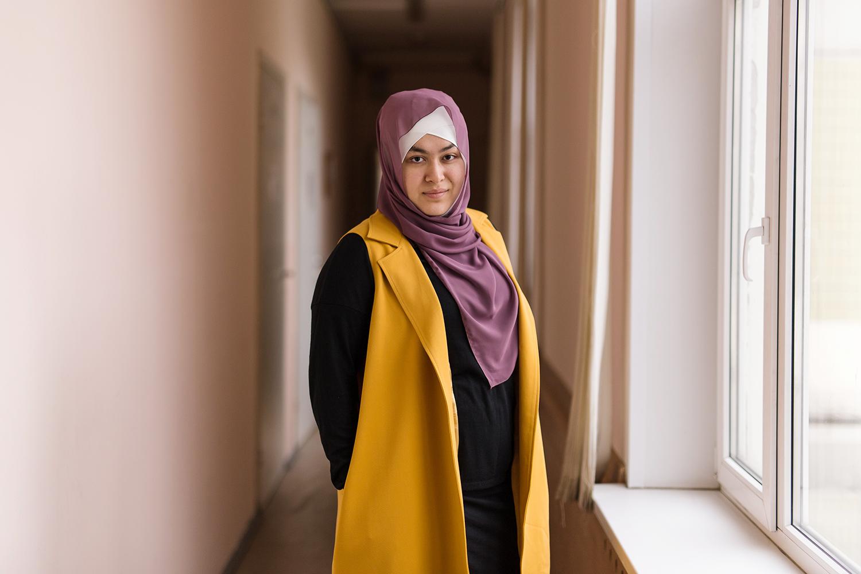 Работа для девушки в хиджабе в москве работа госструктурах девушке