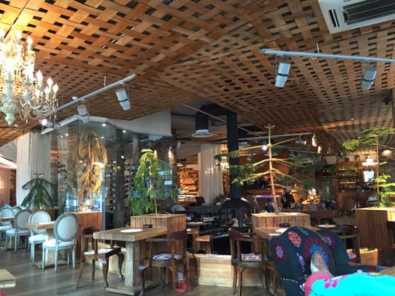 Ресторан Гуси-лебеди - фотография 1