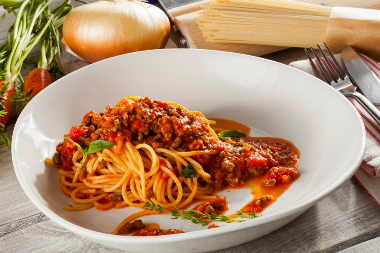 """Ресторан Песто - фотография 5 - Спагетти """"Болоньезе"""""""