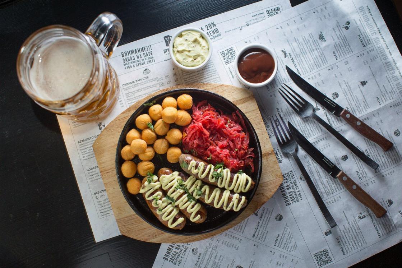 Ресторан Другой бар - фотография 2 - Колбаски собственного производства