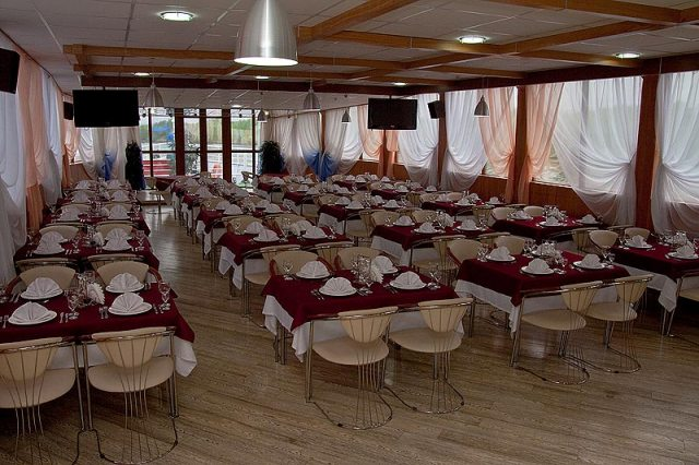 Ресторан Теплоход «Санта Мария» - фотография 2 - Ресторан