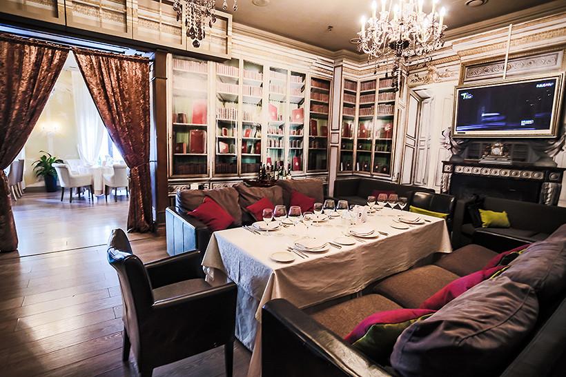 Ресторан Гюго - фотография 6 - 2 этаж
