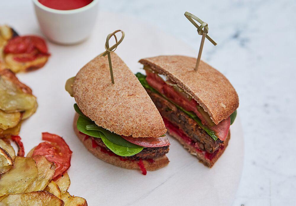 Ресторан КМ20 - фотография 11 - Вегетарианский бургер