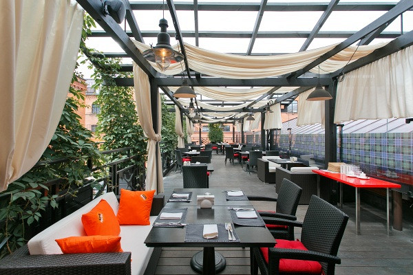 Ресторан Mary Jane - фотография 6 - Летняя веранда на крыше