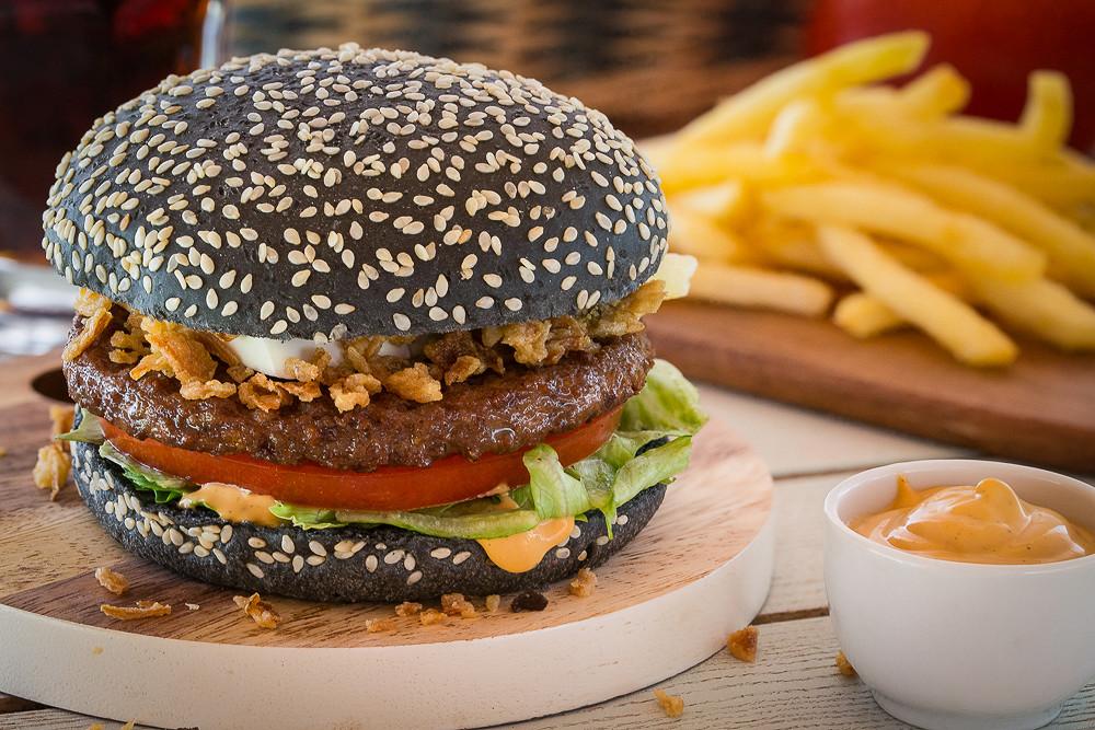 "Ресторан Jerry Wings - фотография 3 - Black Burger от ""Джерри Вингс"""