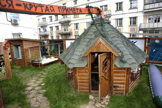 Ресторан Экспедиция. Северная кухня - фотография 20 - Охотничий домик на крыше ресторана.