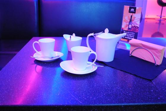 Ресторан Barbar - фотография 7 - Посуда смотрится волшебно при тАком освещении.