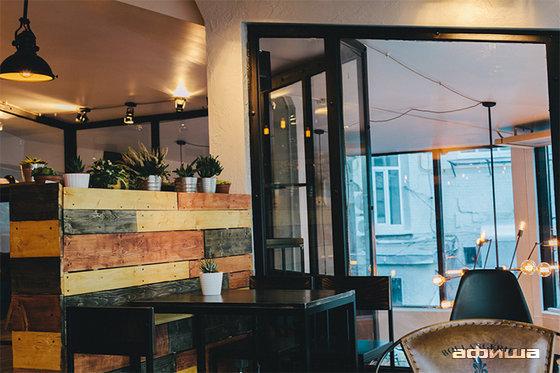Ресторан Garden: Beer and Coffee - фотография 7