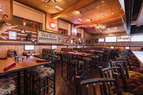Ресторан Twin Peaks - фотография 2