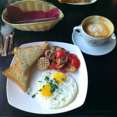 Ресторан Traveler's Coffee - фотография 10