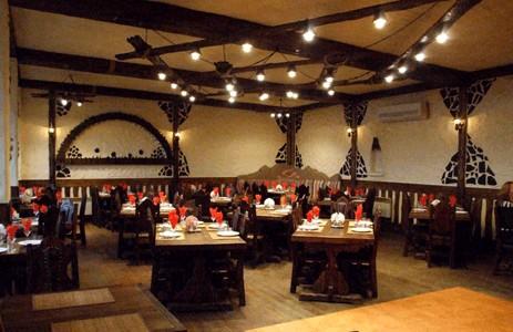 Ресторан Поляна - фотография 1 - Главный Зал