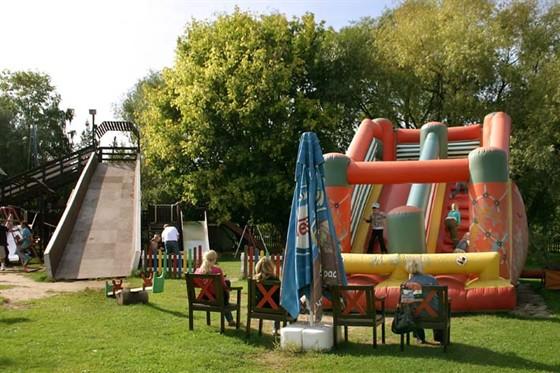 Ресторан Поместье - фотография 6 - Детская площадка