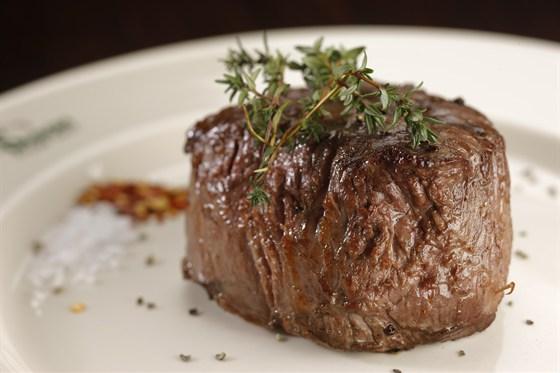 Ресторан Бизон - фотография 2 - Филе стейк
