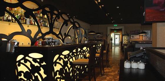 Ресторан Mascotte - фотография 8 - Барная стойка