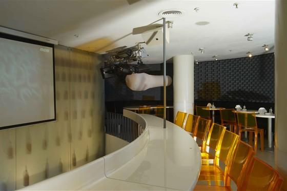 Ресторан Хмель и солод - фотография 7 - Спортивные трансляции на экране
