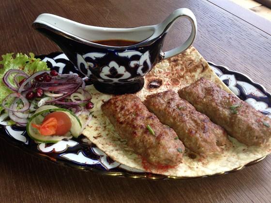 Ресторан Сухофрукты - фотография 14 - Люля кебаб из баранины 150гр - 290 руб.